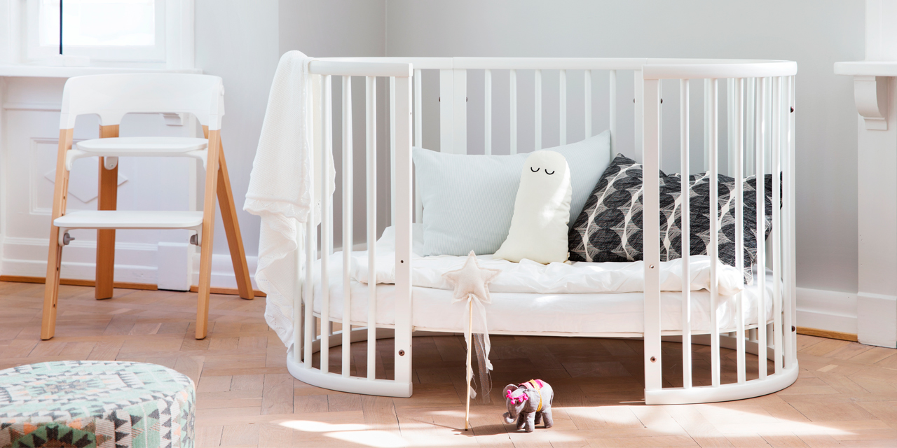 stokke sleepi crib bed natural. Black Bedroom Furniture Sets. Home Design Ideas