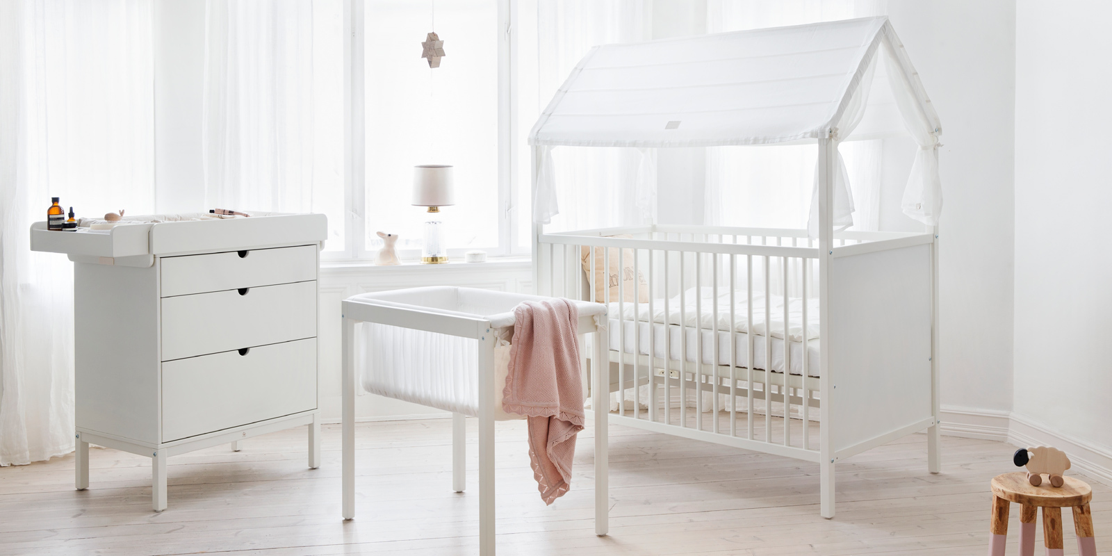 stokke home cradle white. Black Bedroom Furniture Sets. Home Design Ideas