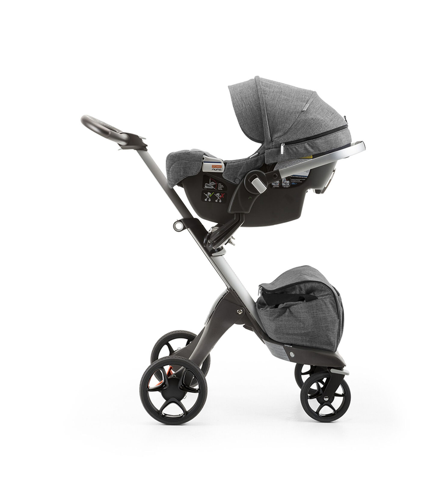 StokkeR PIPATM By NunaR Car Seat Black Melange Mounted On