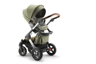 Stokke® Trailz™ with Stokke® Stroller Seat, Nordic Green.