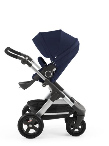 Stokke® Trailz™ with Stokke® Stroller Seat Deep Blue.