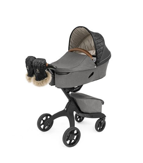 Stokke® Xplory® X Modern Grey with Carry Cot and Winter Kit, without Storm Cover and Sheepskin Rim. view 8