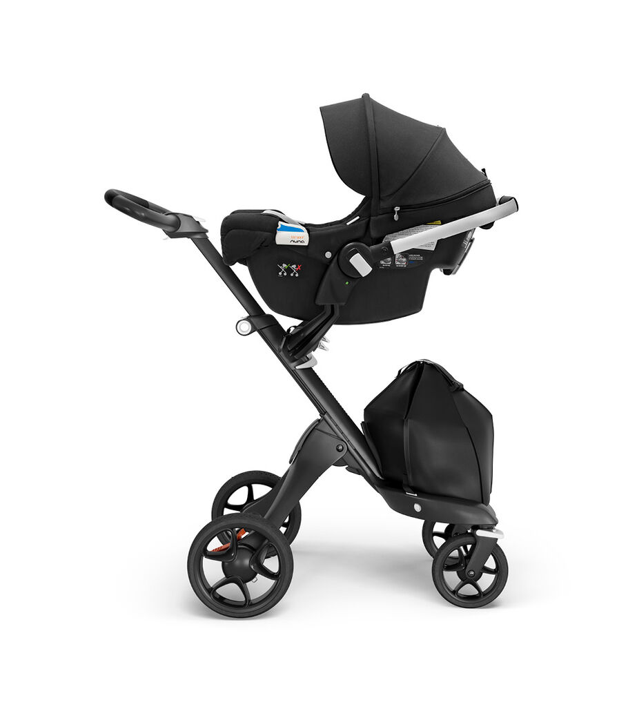 Stokke® PIPA™ by Nuna® and Base, Black, mainview view 40