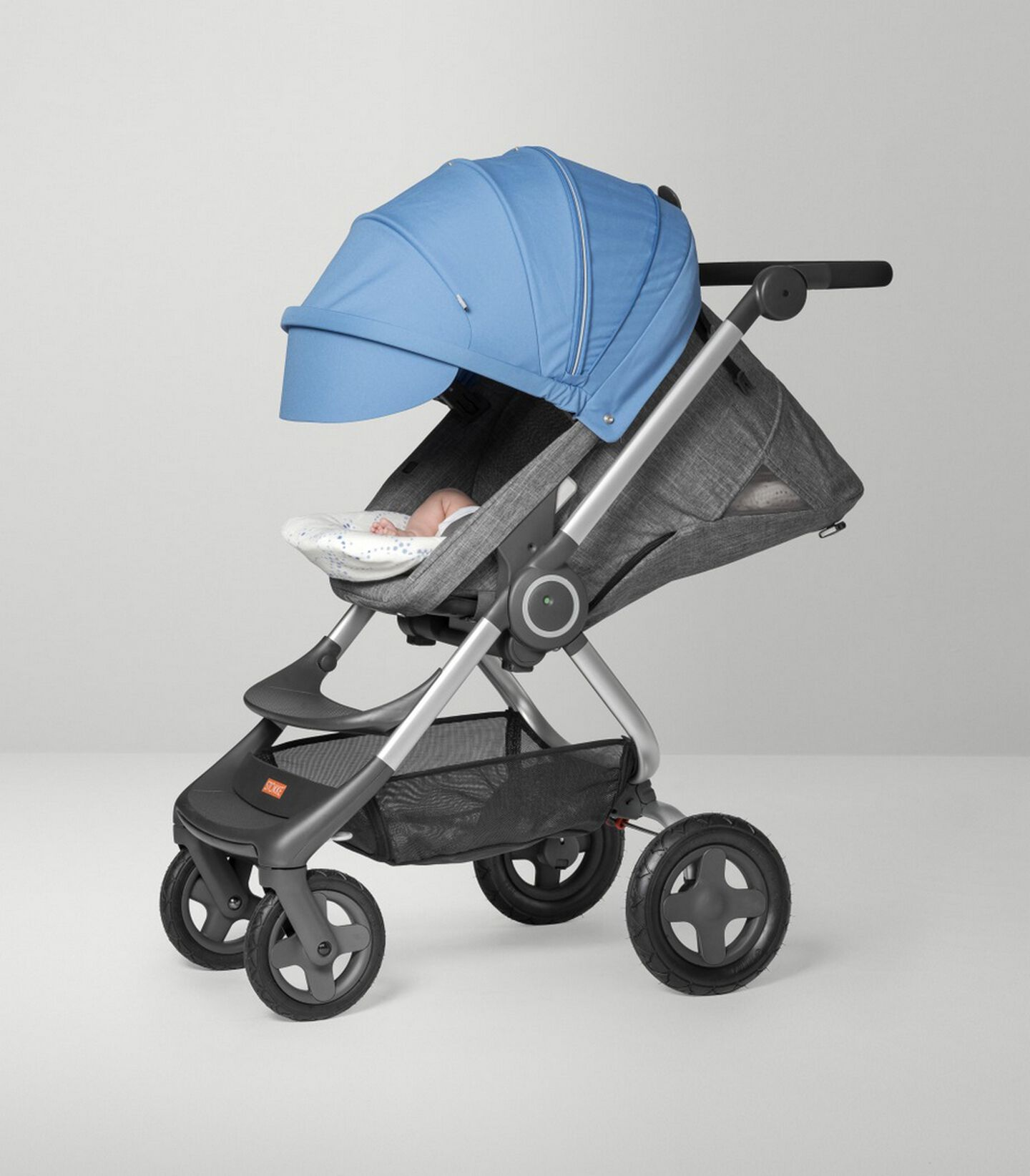 Stokke Scoot™ Seat.Black Melange/Blue. Sleep position.