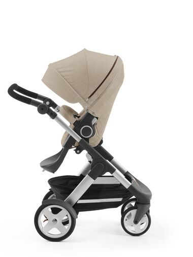 Stokke® Trailz™ with Stokke® Stroller Seat, parent facing, rest position. Beige Melange.