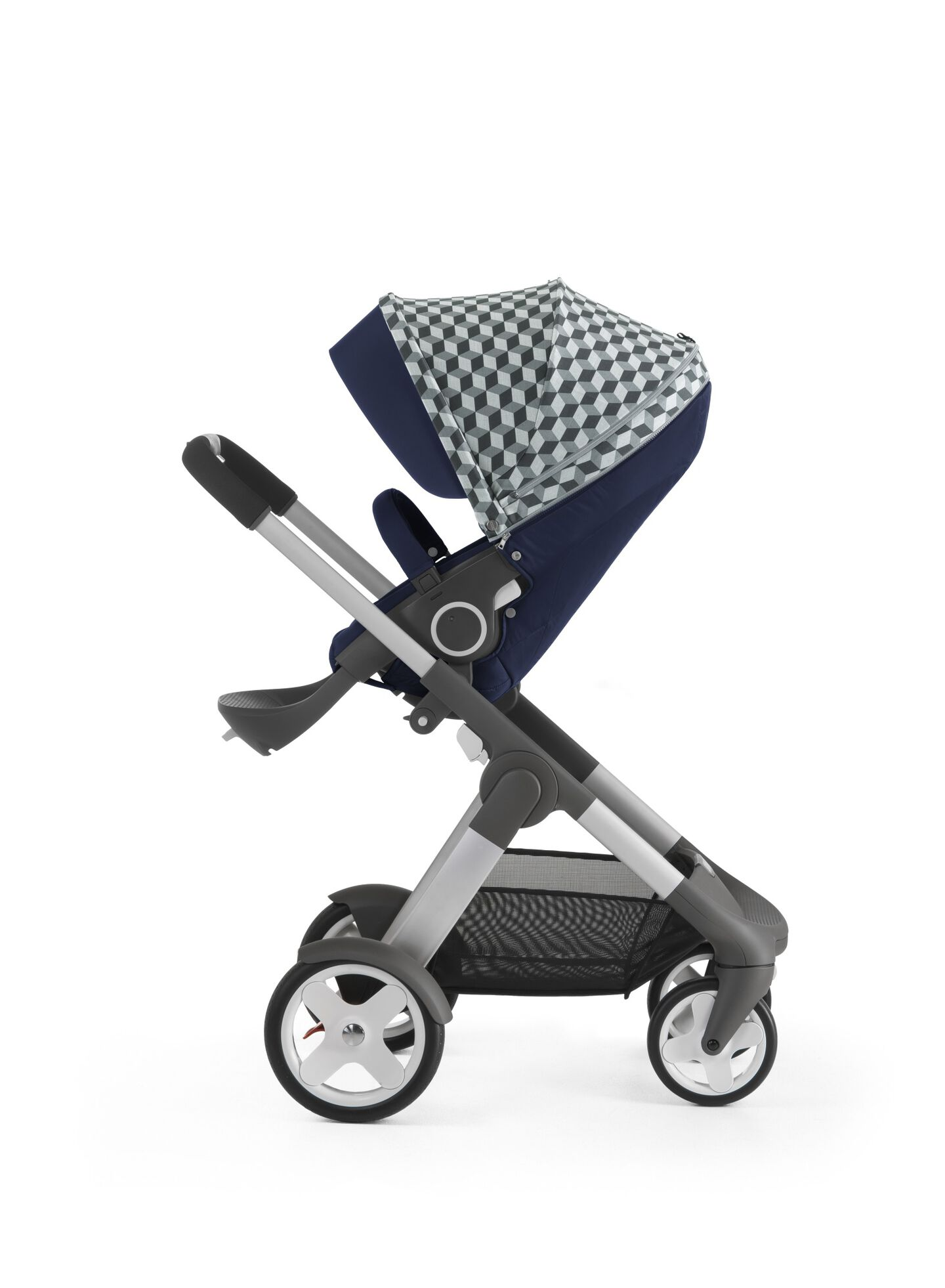 Stokke® Crusi™ with Stokke® Stroller Seat and Grey Cube Style Kit.