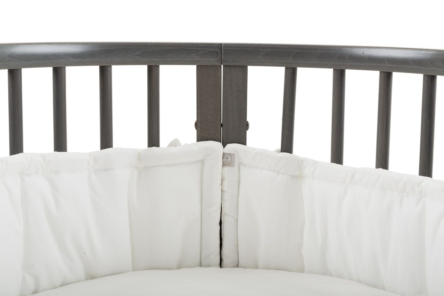 Stokke® Sleepi™ Bed Bumper, White. Detail.