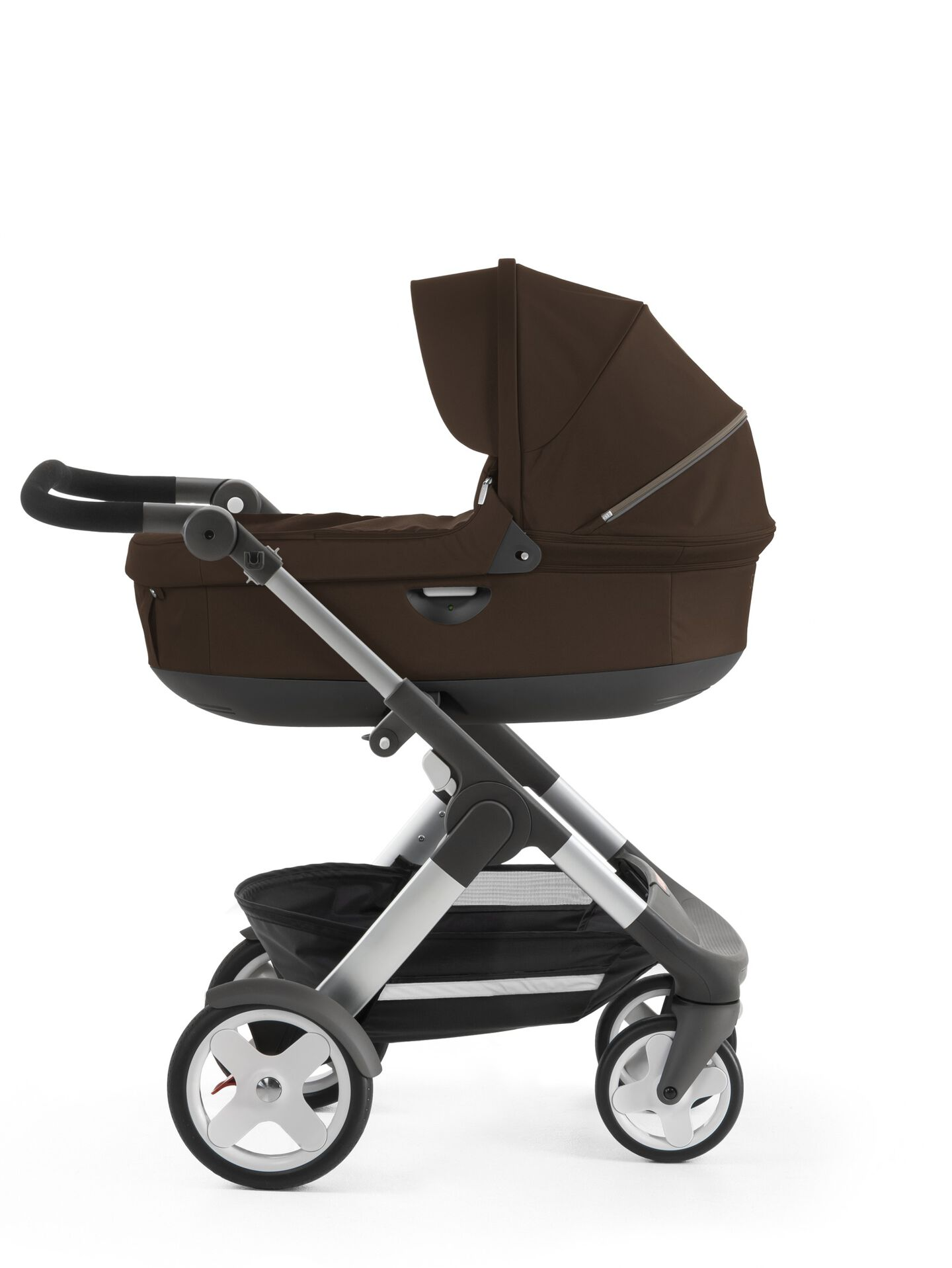 Stokke® Trailz™ with Stokke® Stroller Carry Cot, Brown. Classic Wheels.
