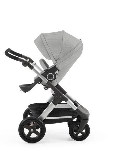 Stokke® Trailz™ with Stokke® Stroller Seat, Grey Melange.
