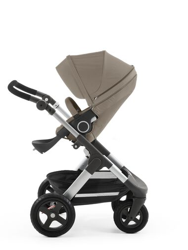 Stokke® Trailz™ with Stokke® Stroller Seat Brown.