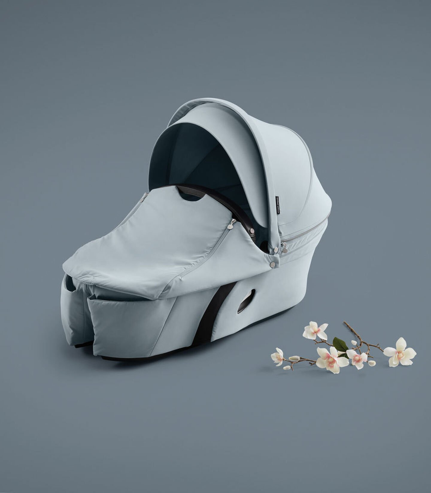 Stokke® Xplory® Carry Cot Balance Limited Edition. Tranquil Blue.