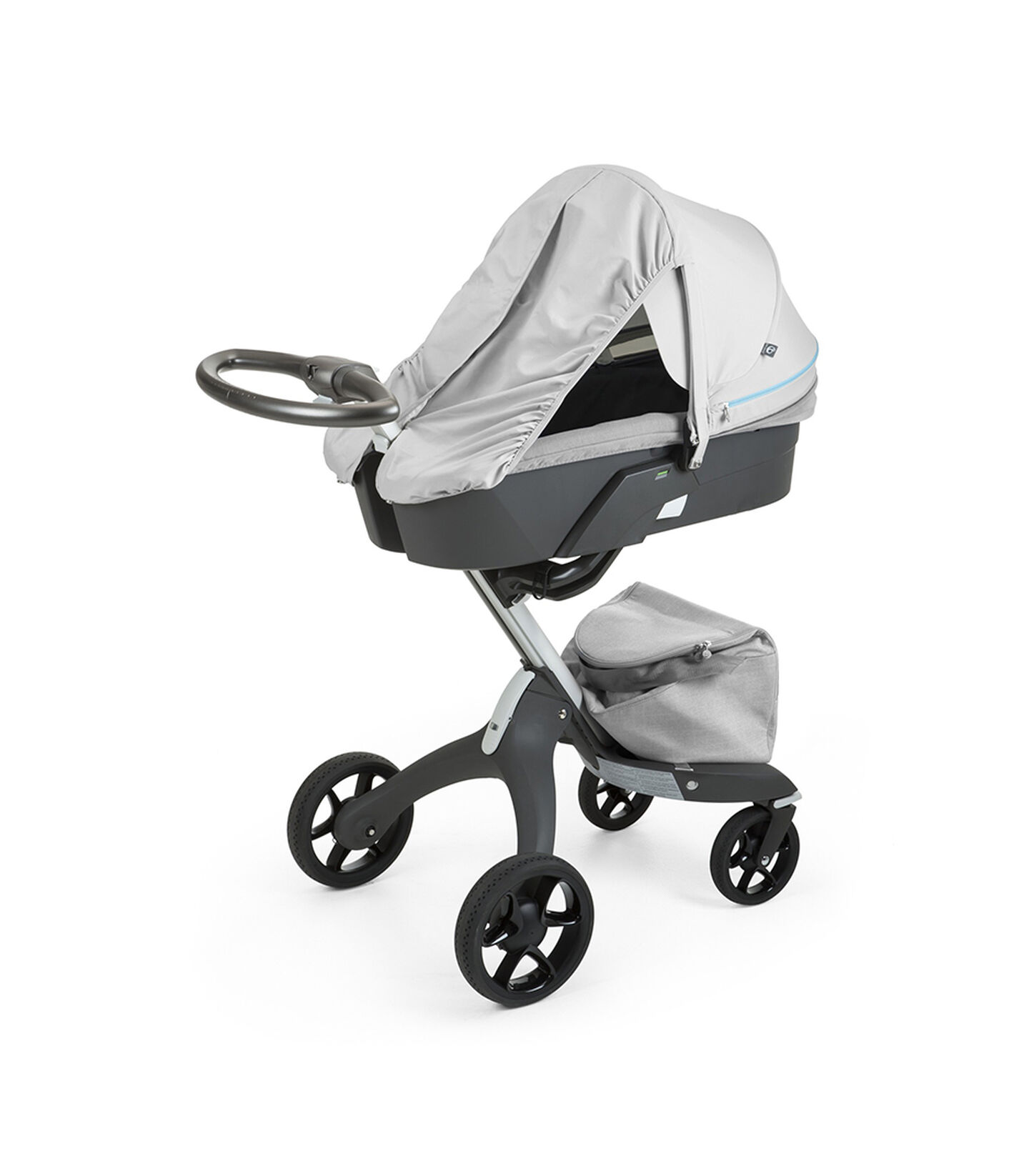 Stokke® Xplory® With Carry Cot and Flora Blue Summer Kit.