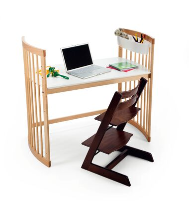 Stokke® Care large desk Natural, with Tripp Trapp® Walnut Brown.