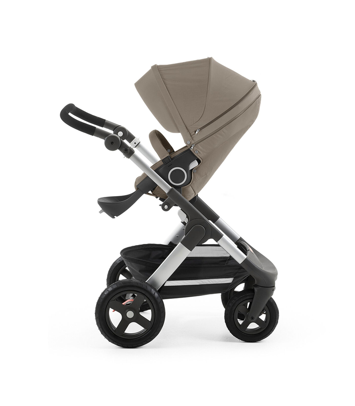 Chassis with Stokke® Stroller Seat, Bown. view 2