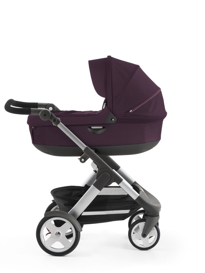 Stokke® Trailz™ with Stokke® Stroller Carry Cot, Purple. Classic Wheels.