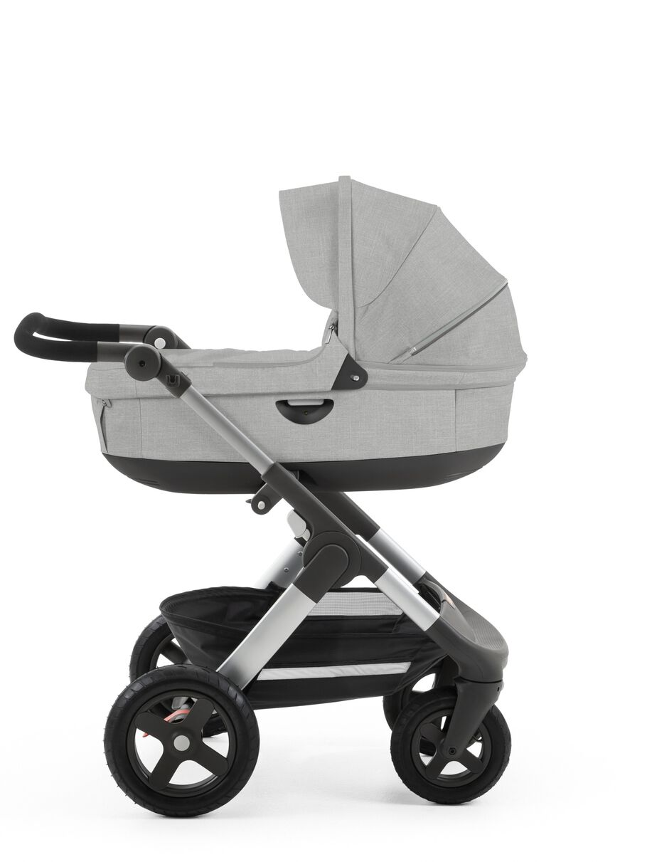 Stokke® Trailz™ with Stokke® Stroller Carry Cot, Grey Melange.