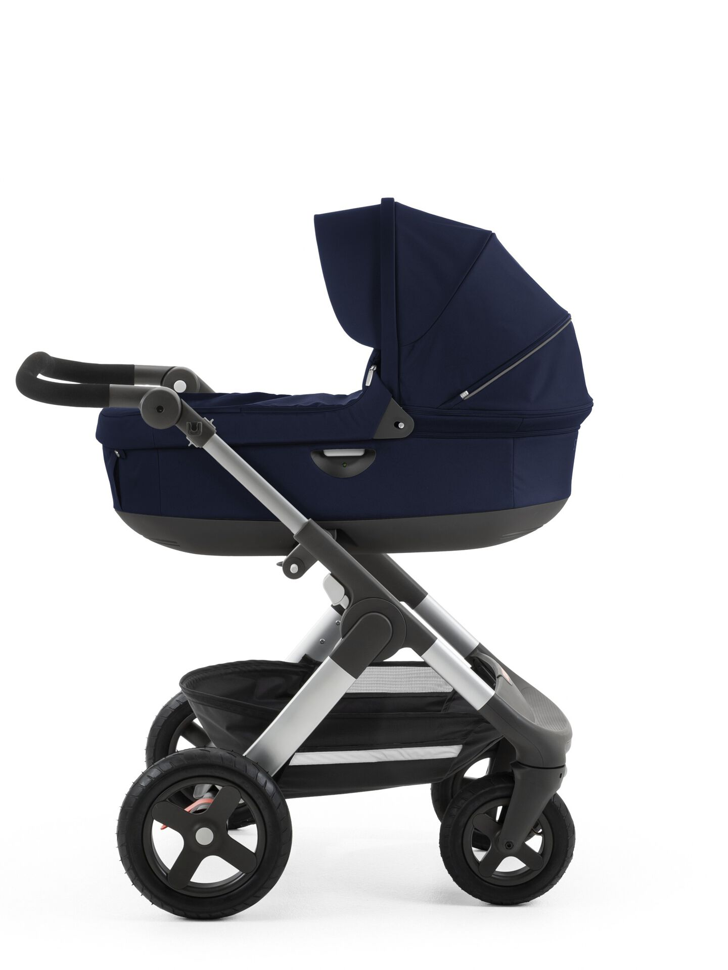 Stokke® Trailz™ with Stokke® Stroller Carry Cot Deep Blue.
