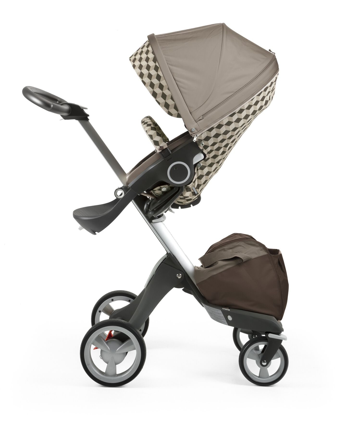 Stokke® Stroller Seat with Style Kit Beige Cube and Stokke® Xploy® chassis, Brown.