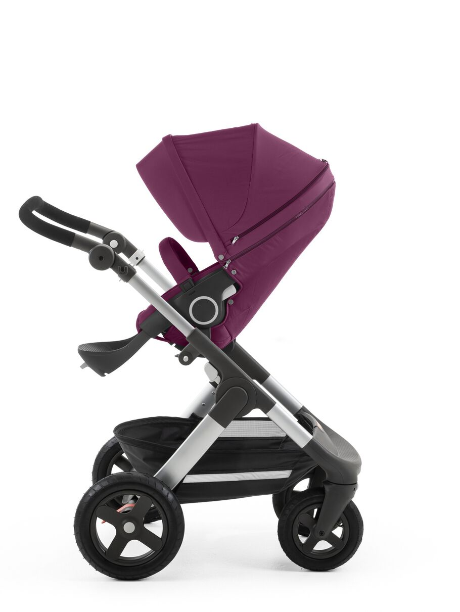Stokke® Trailz™ with Stokke® Stroller Seat Purple.