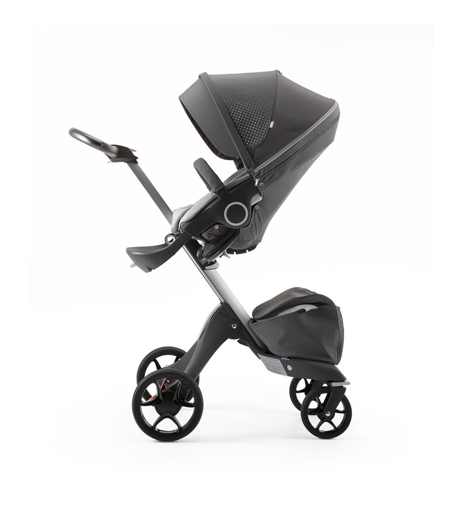Stokke® Xplory® Silver Chassis and Seat. Athleisure Grey. view 18