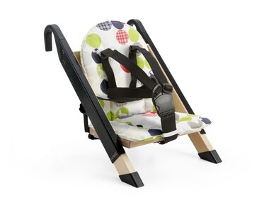 Portable child seat, Black, accessorised with Silhouette Green cushion.