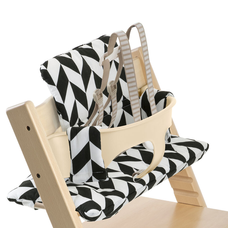 Tripp Trapp® Natural with Baby Set and Black Chevron cushion. US version. Detail.