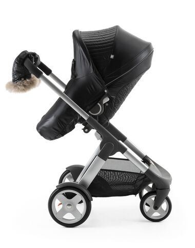 Stokke® Crusi™ and Stokke® Stroller Seat with Winter Kit Onyx Black.