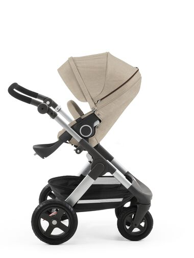 Stokke® Trailz™ with Stokke® Stroller Seat Beige Melange.