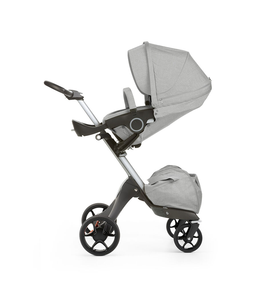 Stokke® Xplory® with Stokke® Stroller Seat, parent facing, sleep position. Grey Melange. New wheels 2016. view 5