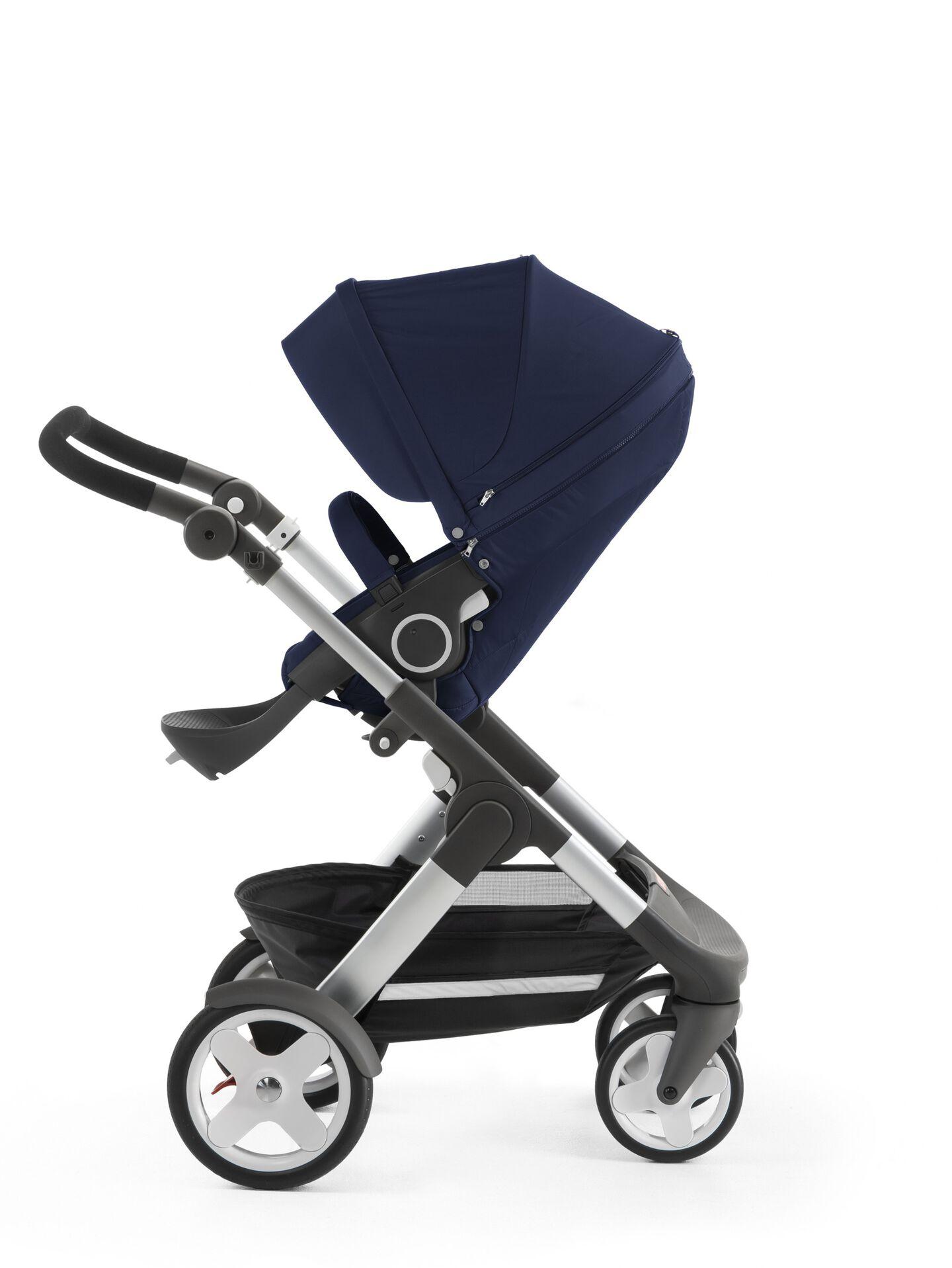 Stokke® Trailz™ with Stokke® Stroller Seat, Deep Blue. Classic Wheels.