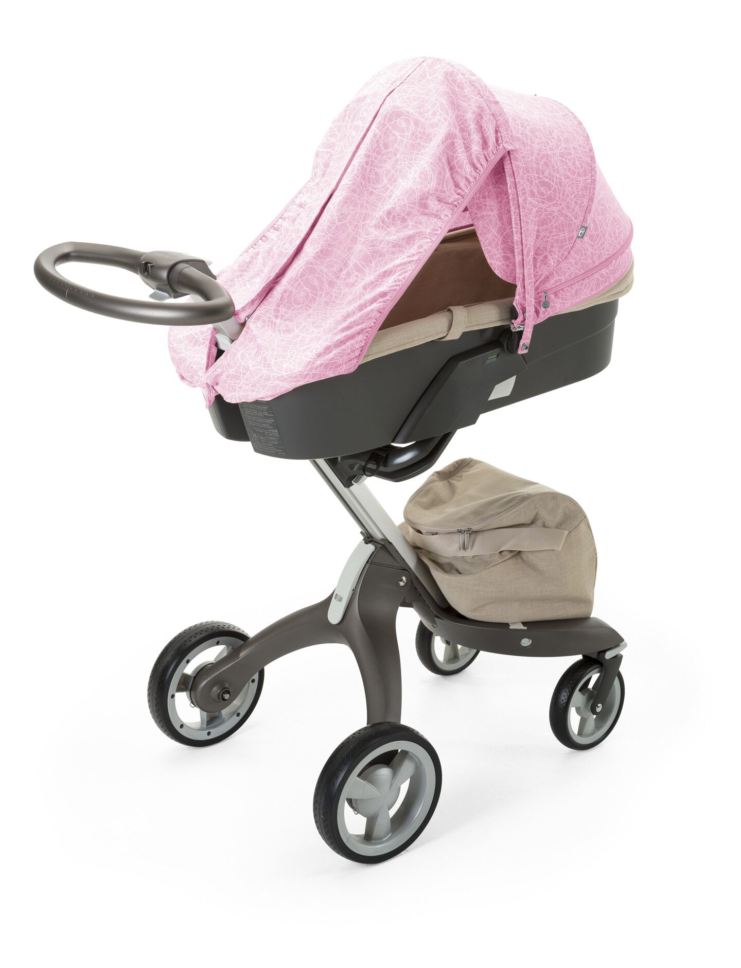 Stokke® Xplory® with Carry Cot and Scribble Peony Pink Summer Kit.