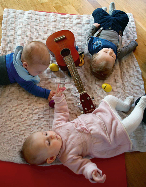 MusicTherapy_MyCarrier_babies-on-floor