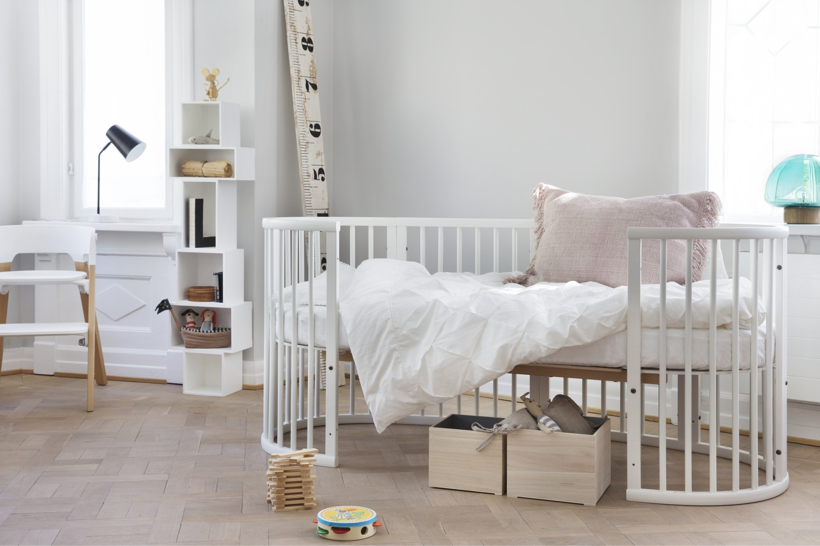 Stokke® Sleepi™ Junior Bed White.