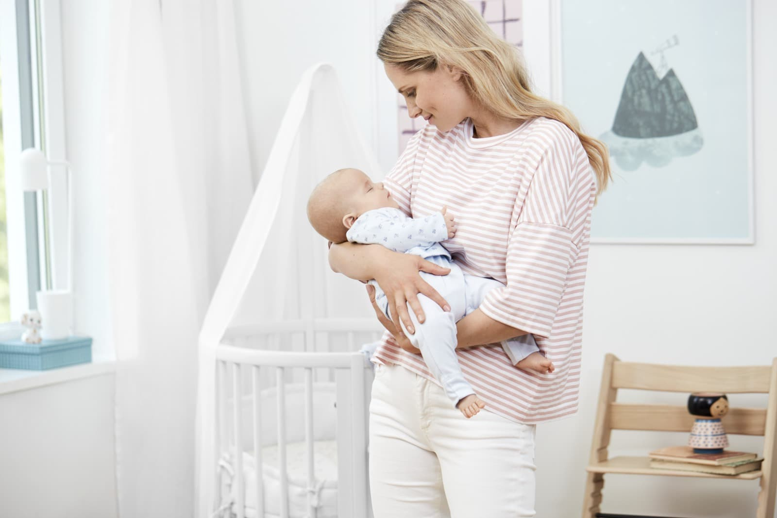 Stokke® Sleepi™ Mini, White. With Canopy, white.