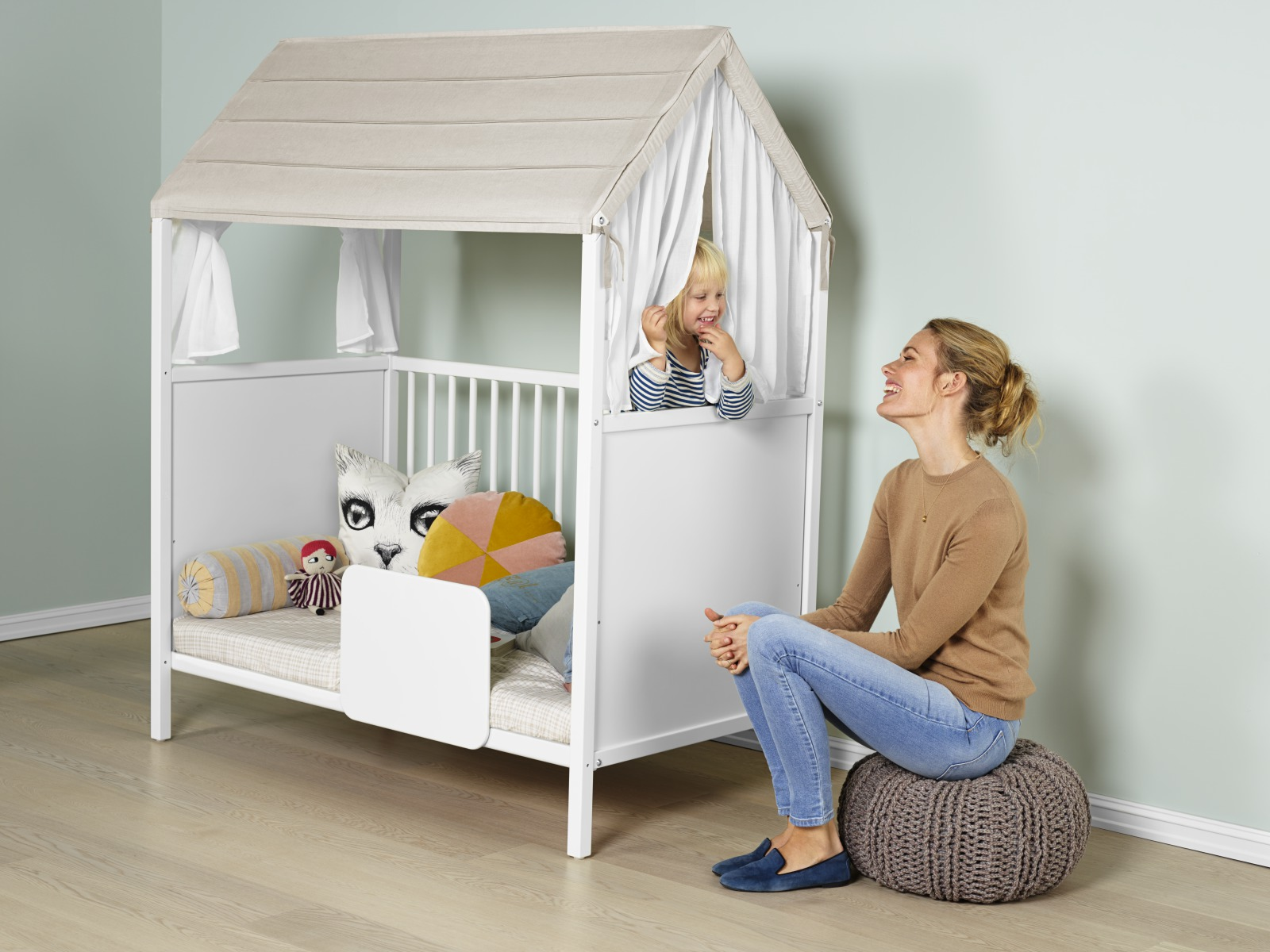 Stokke® Home™ Bed with Roof textiles.