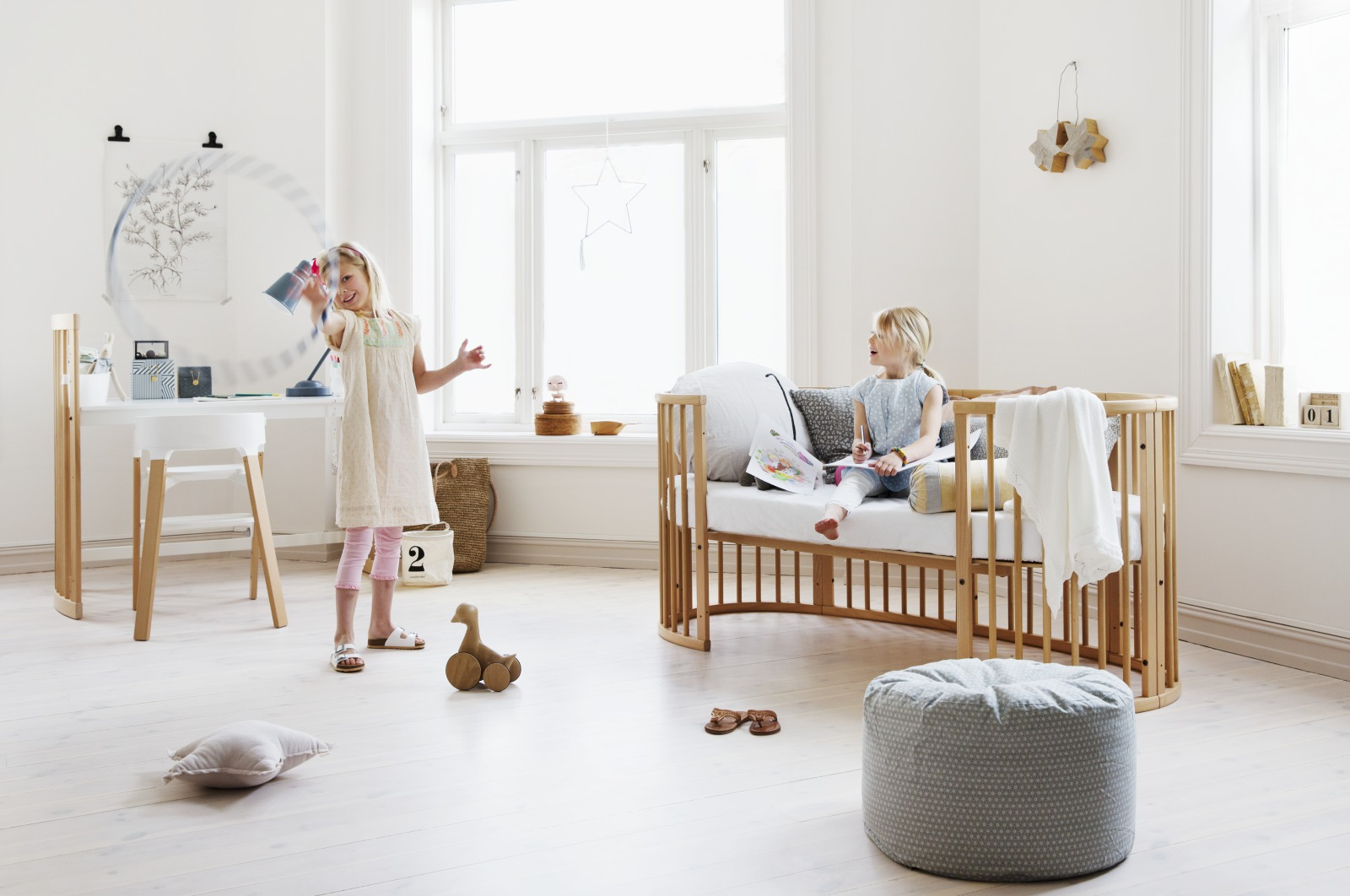 Stokke® Sleepi™ Junior Bed Natural.
