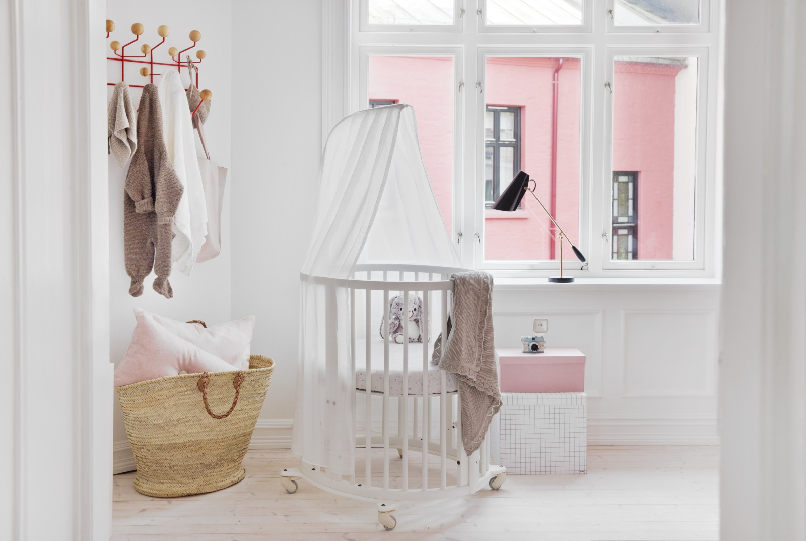 Stokke® Sleepi™ Mini, White.