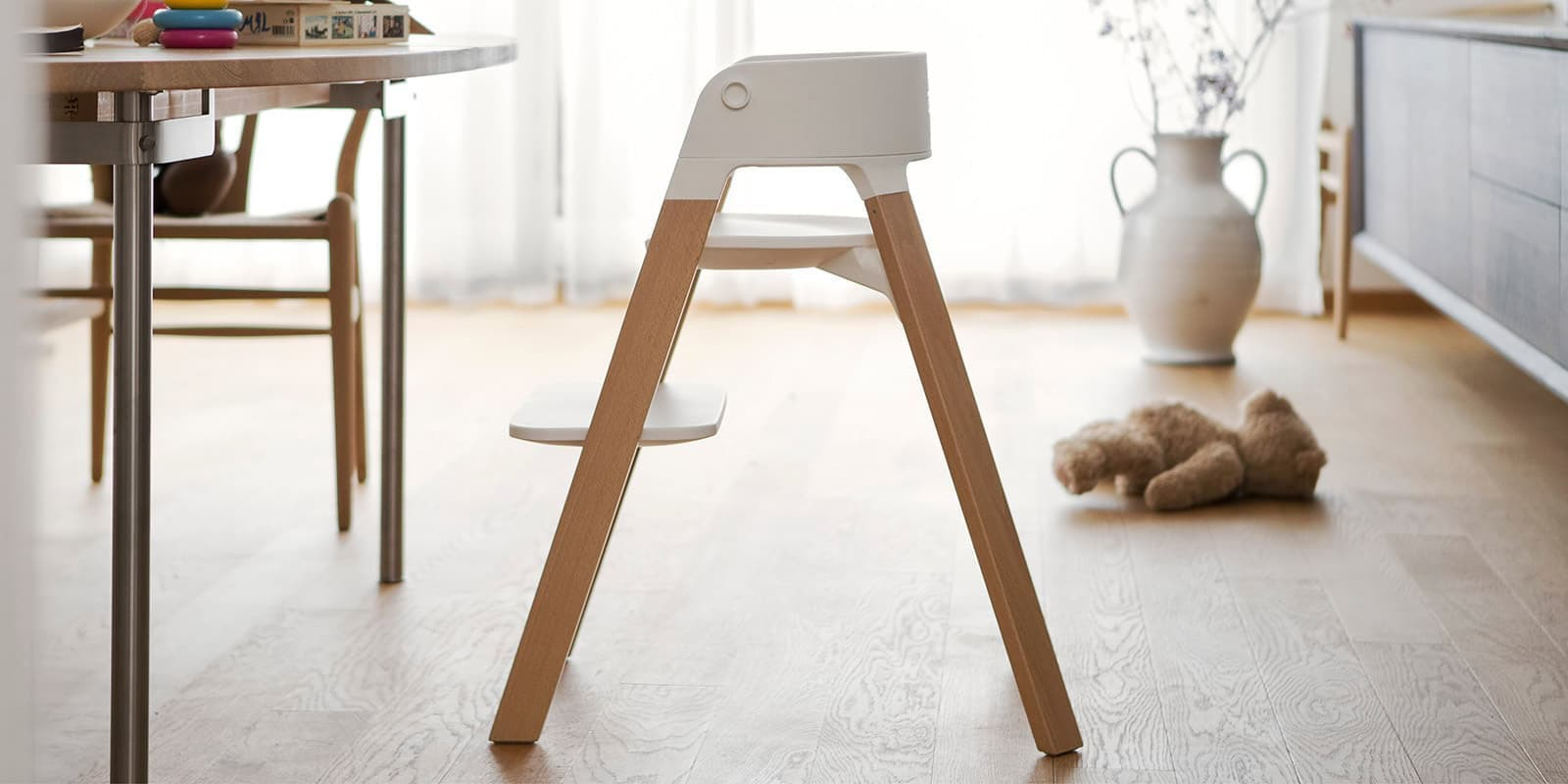 Stokke® Steps™ Chair White Seat Aqua Blue Legs, , emotional1