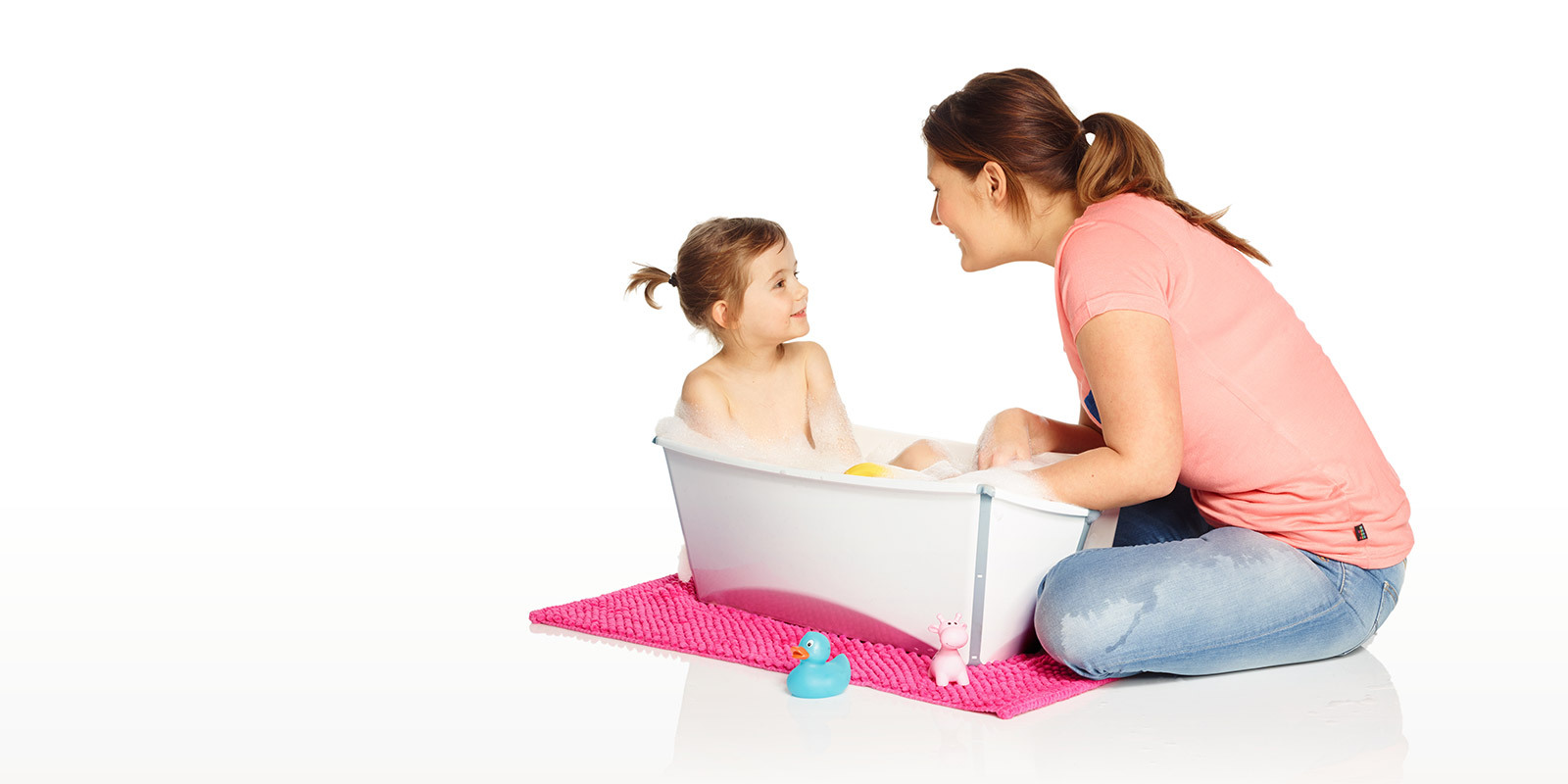 stokke flexi bath a flexible portable baby bath tub. Black Bedroom Furniture Sets. Home Design Ideas