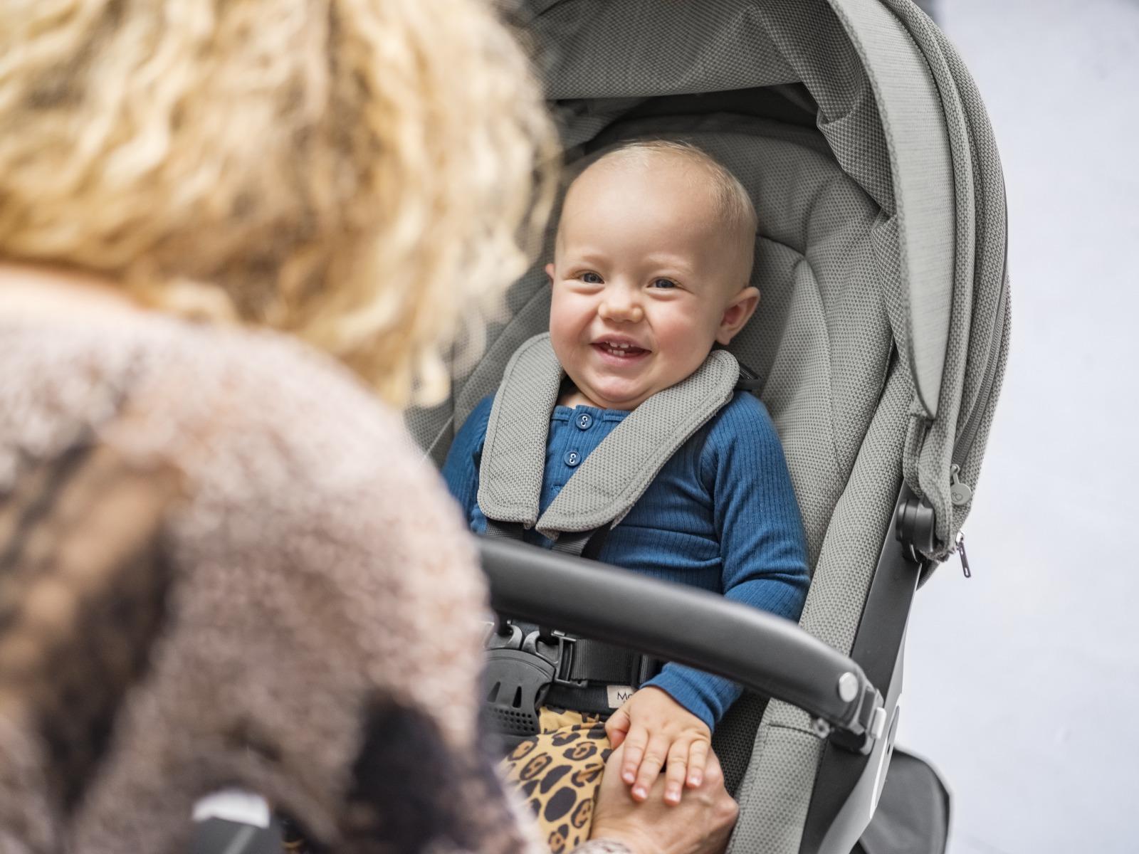Stokke® Xplory® with Black Chassis. Stokke® Stroller Seat, Brushed Grey.
