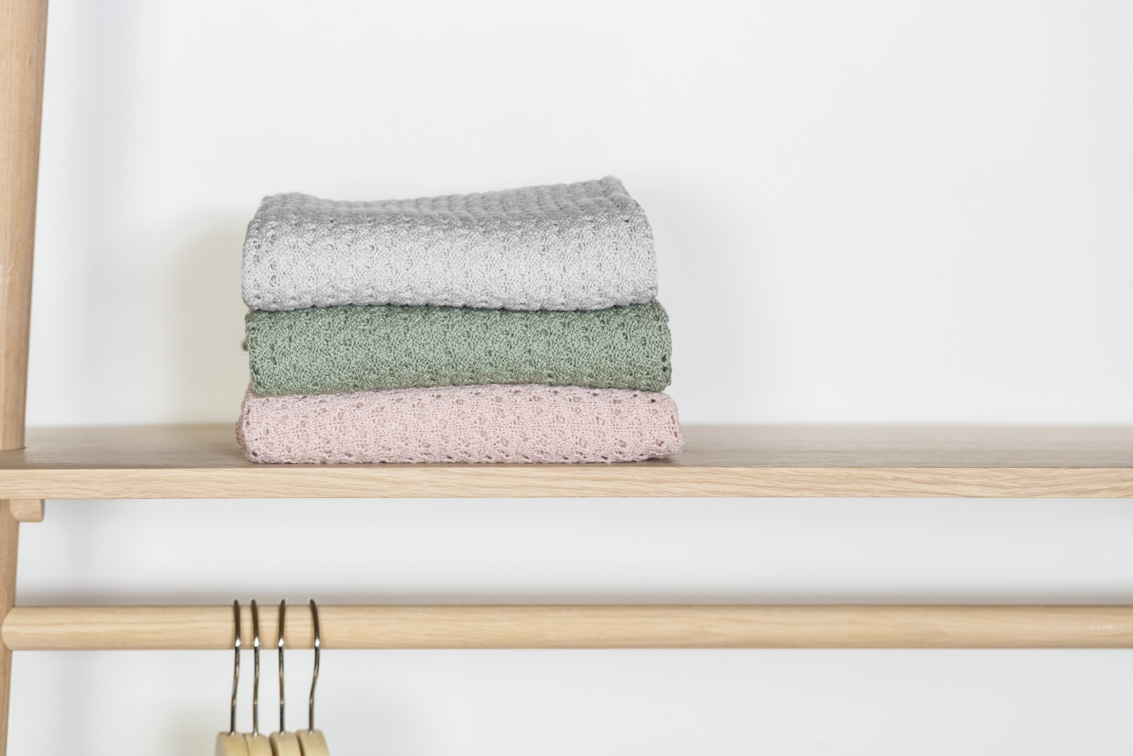 Stokke® Caring Collection. Blanket Merino Wool. Light Grey, Green and Pink. Indoor.
