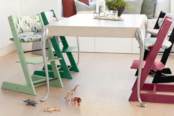 Poussette stokke chaise haute nurserie porte b b for Acheter chaise stokke